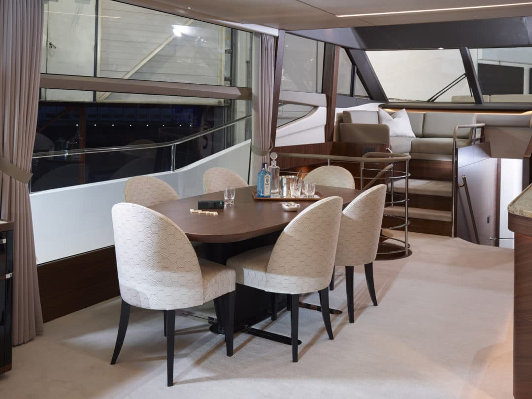 02_princess_75_motor_yacht_dining_area
