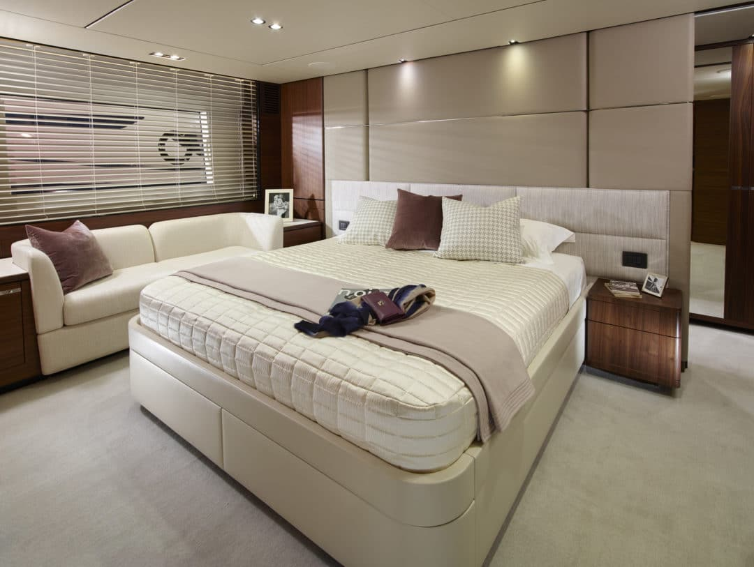03_princess_75_motor_yacht_master_stateroom
