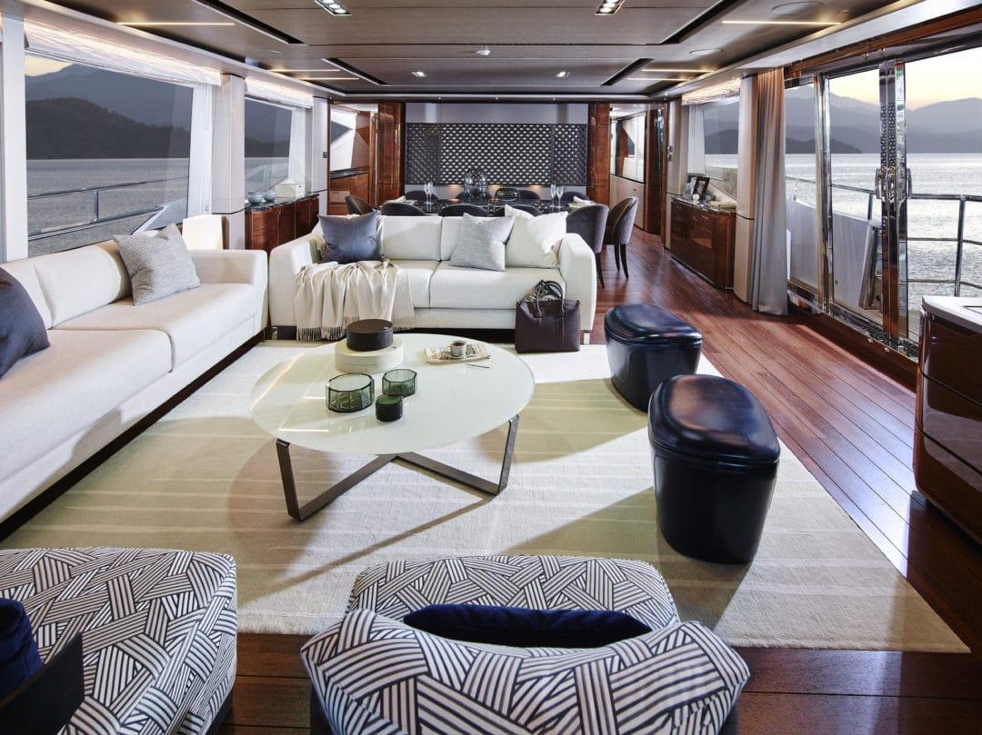 30m-interior-saloon-american-walnut-gloss