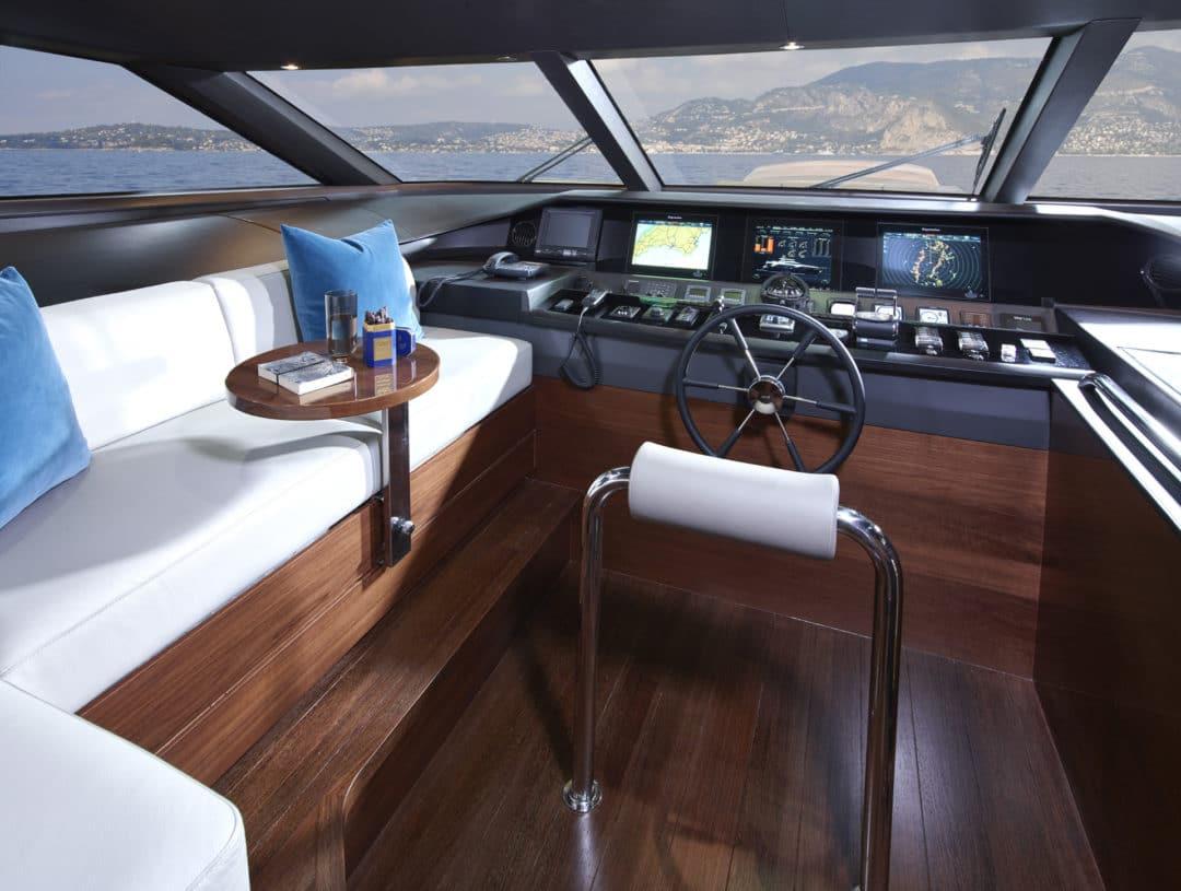 30m-interior-wheelhouse-american-walnut-gloss