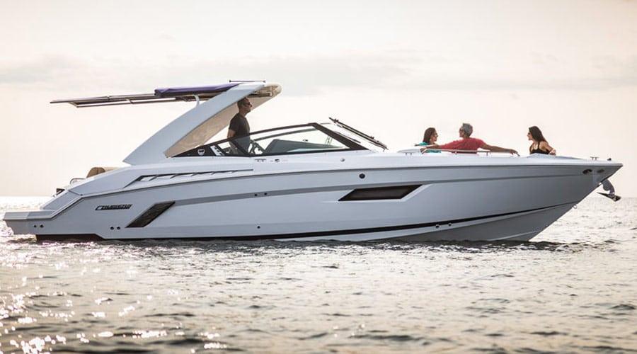 Cruisers 338 Bowrider