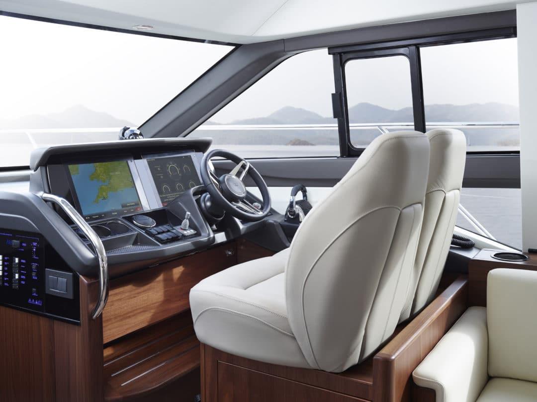 49-interior-helm-american-walnut-satin