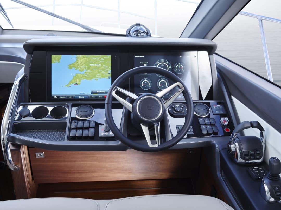 49-interior-helm-detail-american-walnut-satin