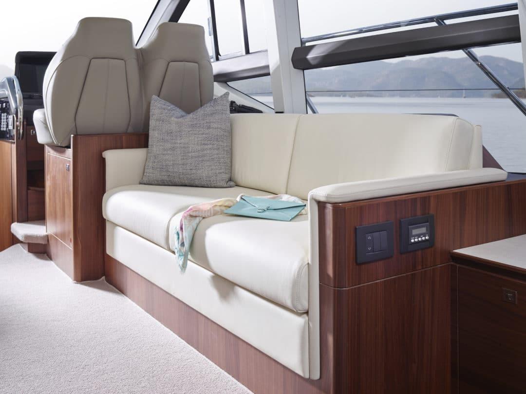 49-interior-saloon-seating-american-walnut-satin