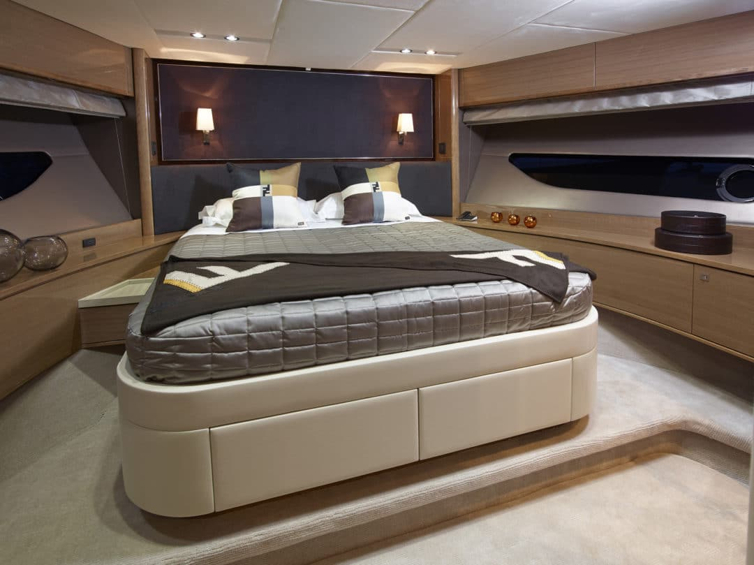 88-motor-yacht-interior-forward-cabin-rovere-oak-gloss-fendi-casa