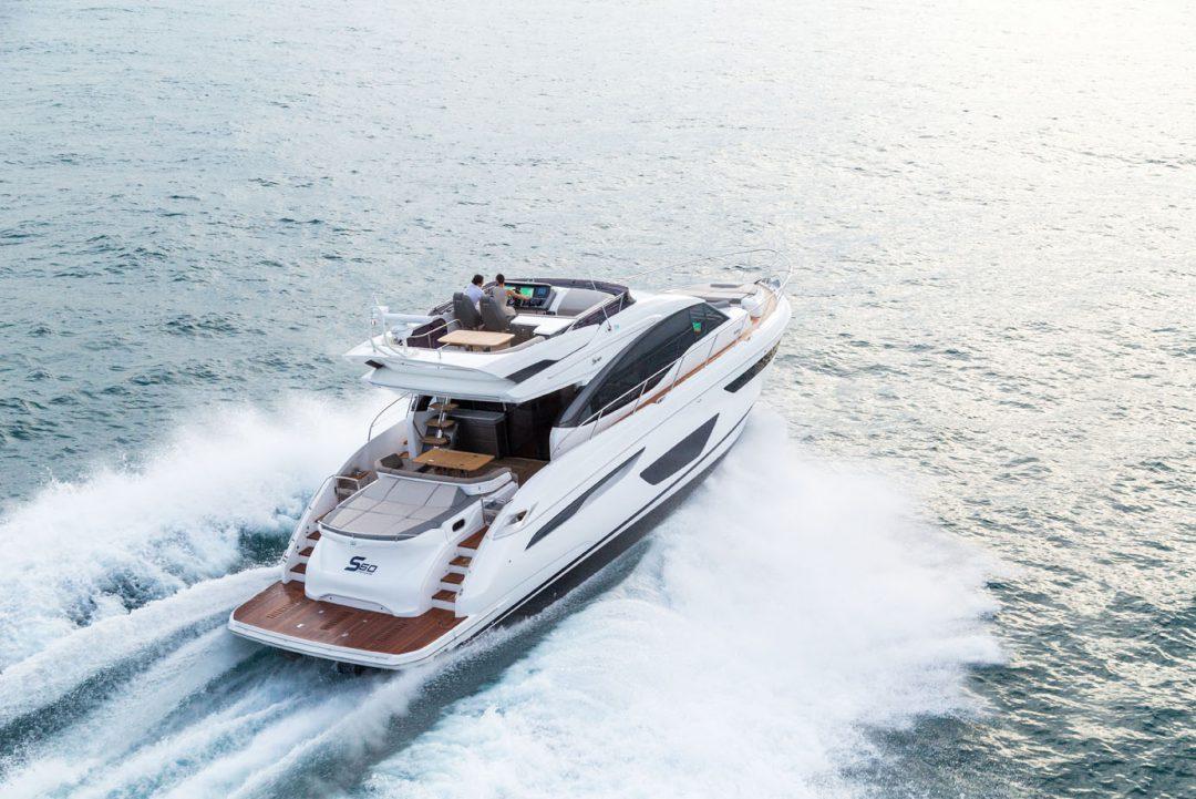 s60-exterior-white-hull-06