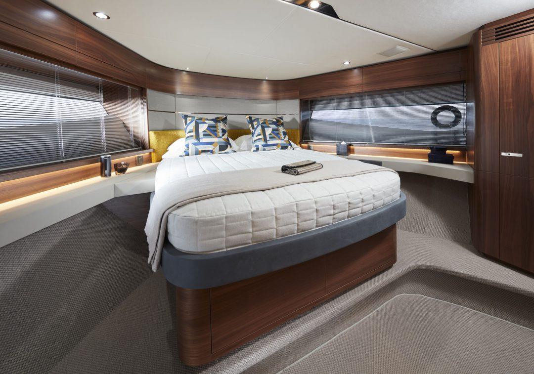 s60-interior-forward-cabin-american-walnut-satin