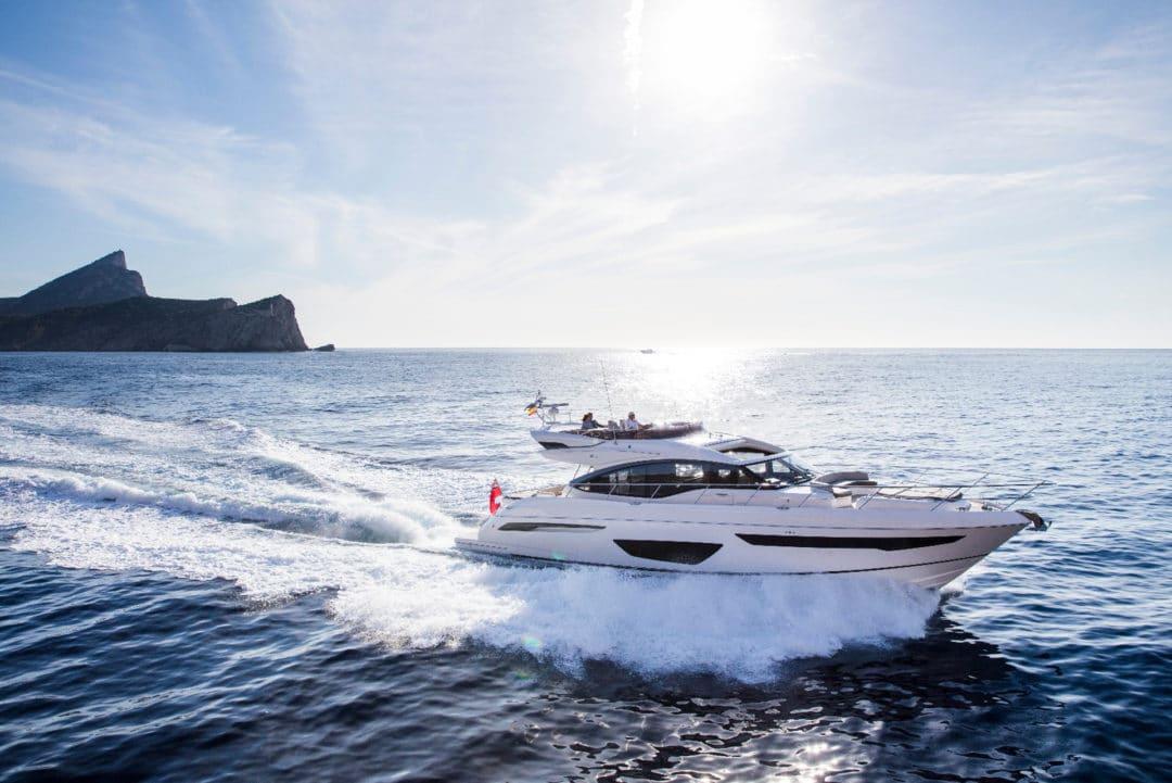 s65-exterior-white-hull-15