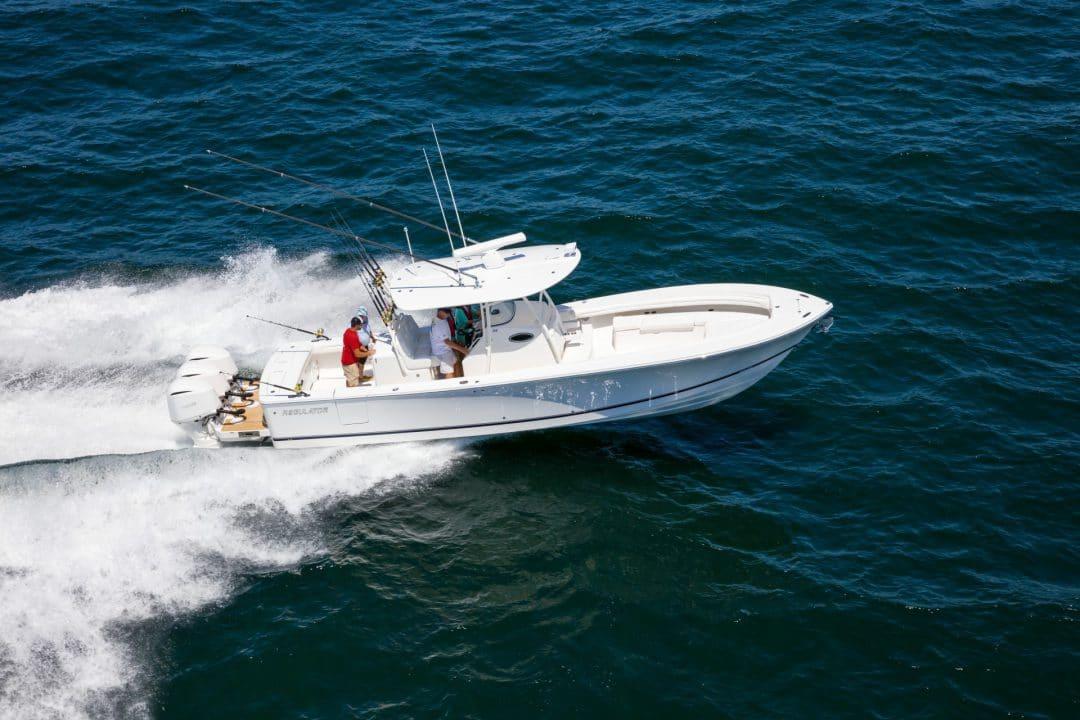 34-regulator-center-console-fishing-boat