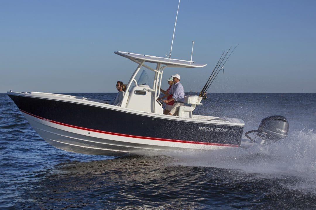 23-regulator-center-console-boat-072517BTPN-7192_RT