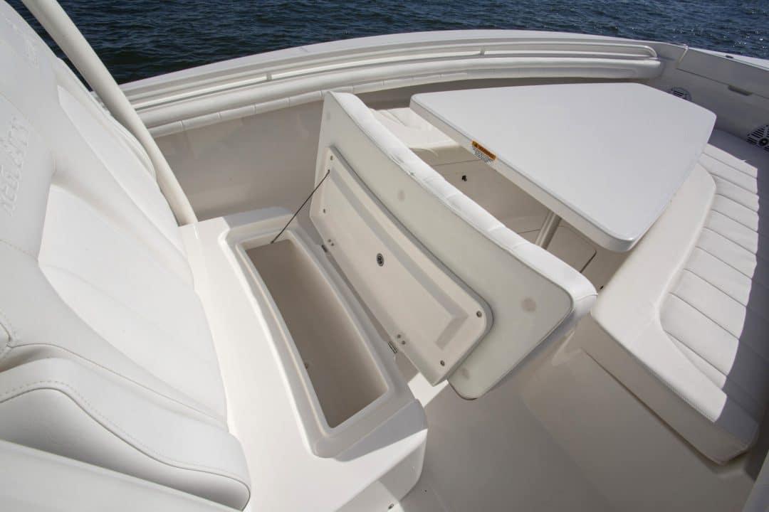 23-regulator-center-console-boat-forward-seat-storage
