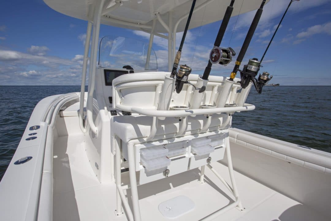 23-regulator-center-console-boat-seat-tackle-center