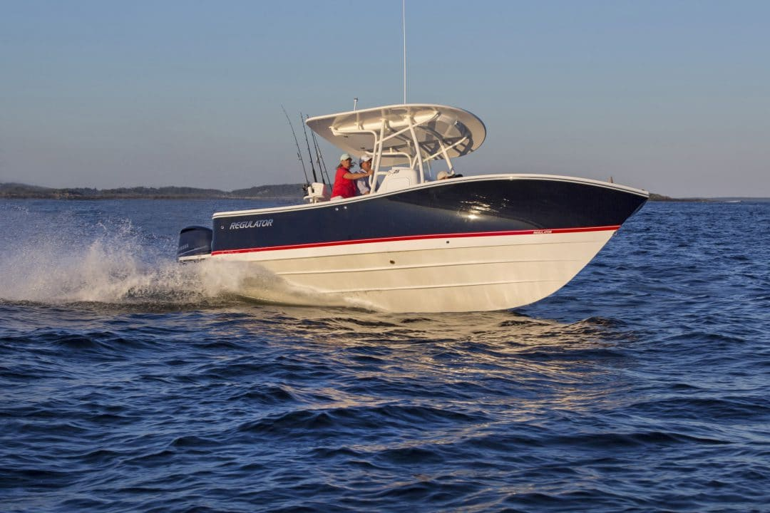 23-regulator-center-console-boats