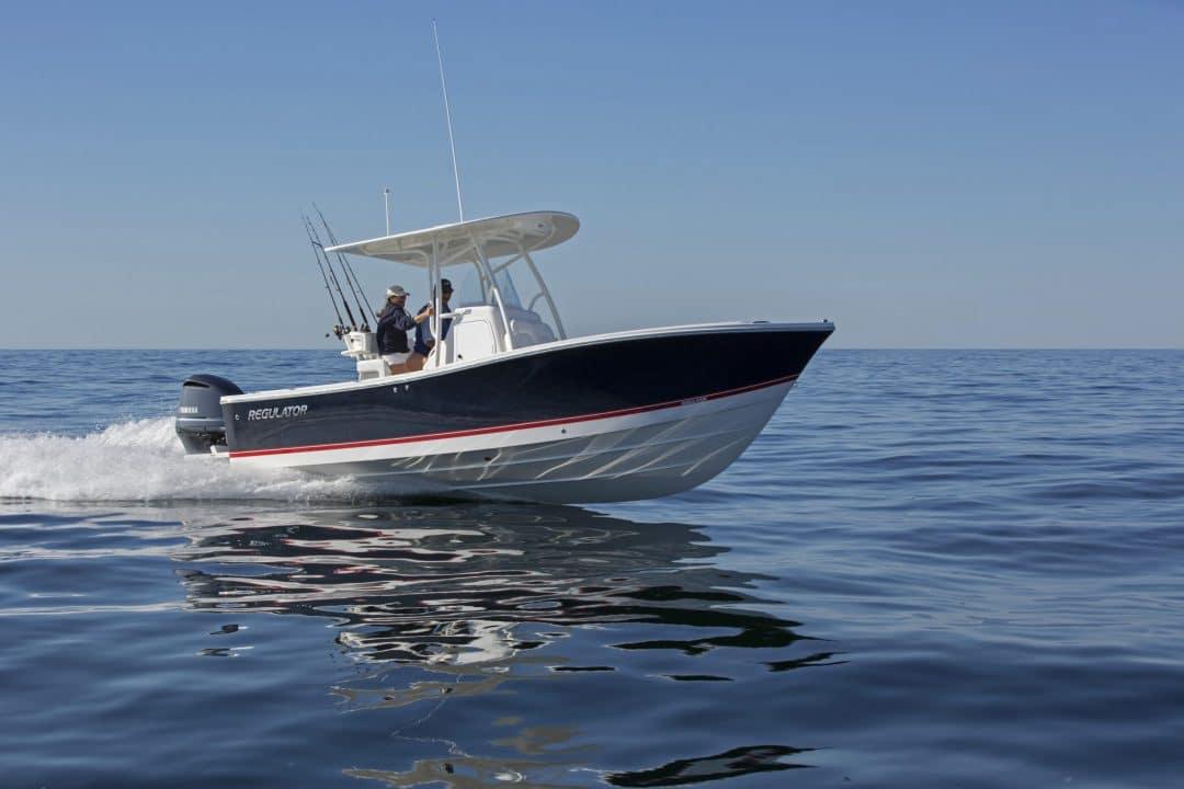 23-regulator-center-console-boats-maine