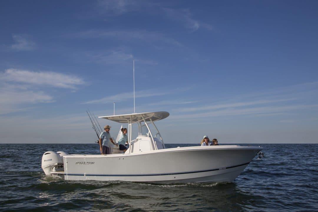 25-regulator-boat-dad-teaching-daughter