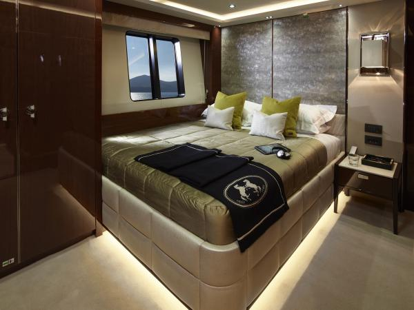40M_Hull_4_Starboard_Double_Cabin