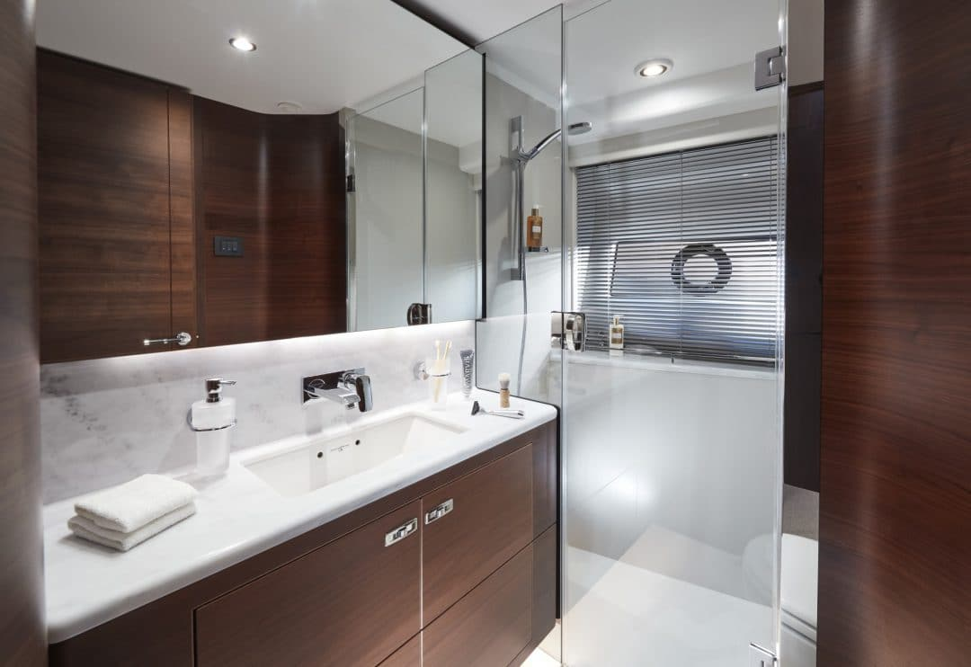 s78-interior-starboard-cabin-bathroom