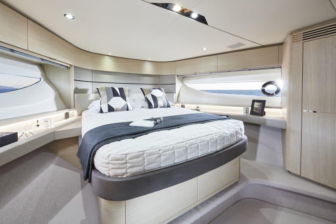 v60-interior-forward-cabin-alba-oak-satin