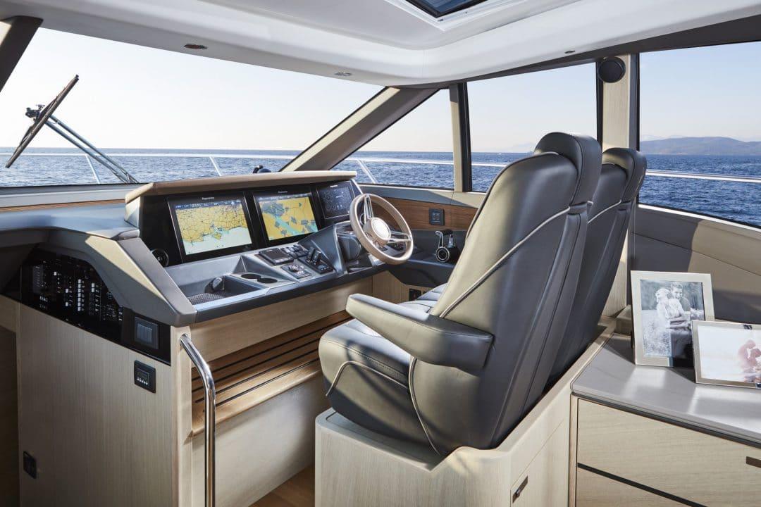 v60-interior-helm-alba-oak-satin