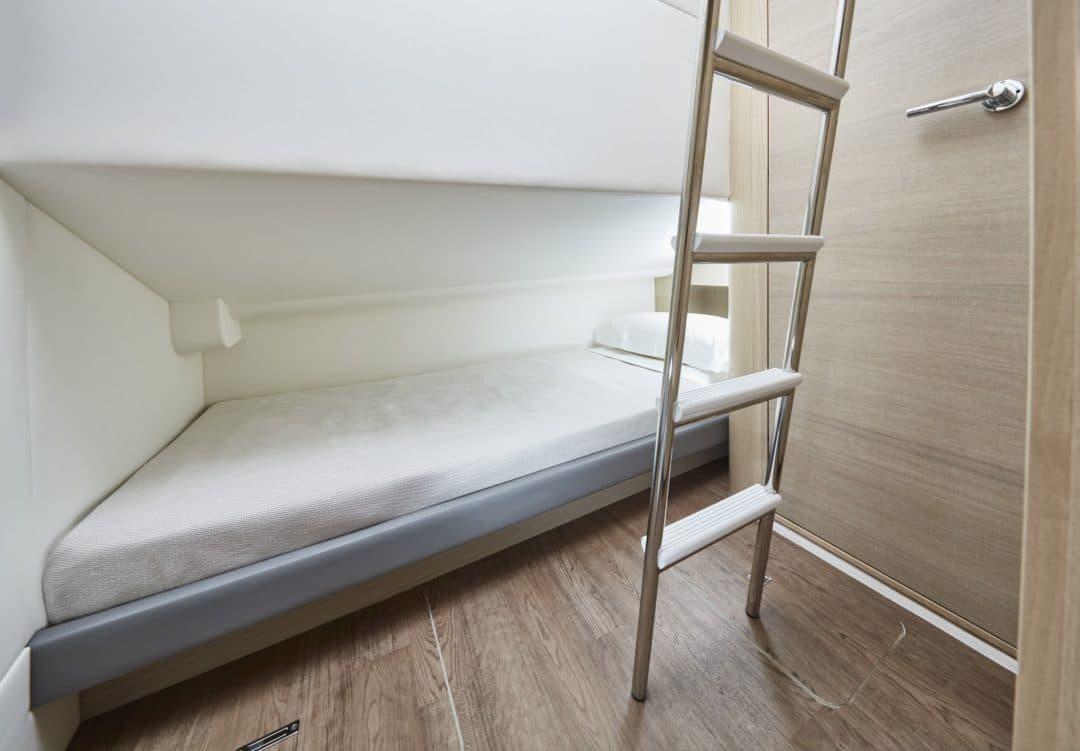 v60-interior-optional-crew-cabin-alba-oak-satin