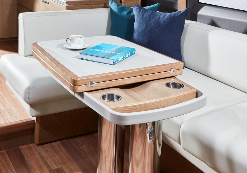 v65-interior-dining-table-detail