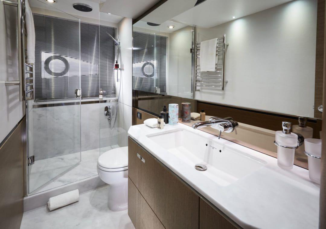 v65-interior-owners-bathroom