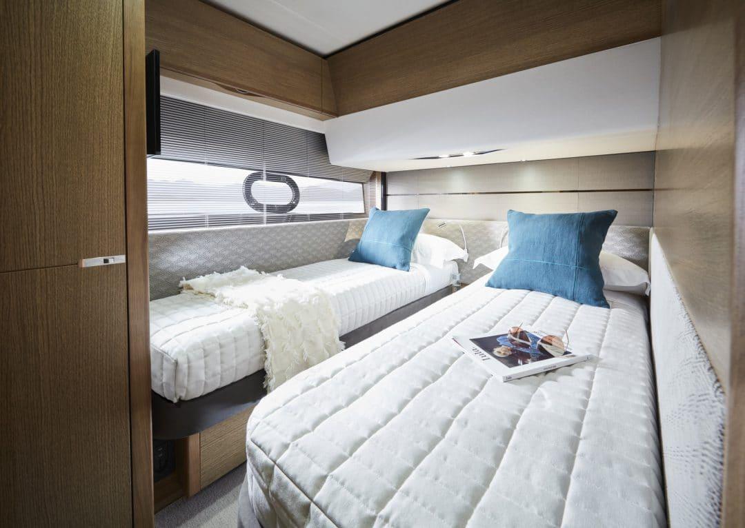 v65-interior-starboard-cabin