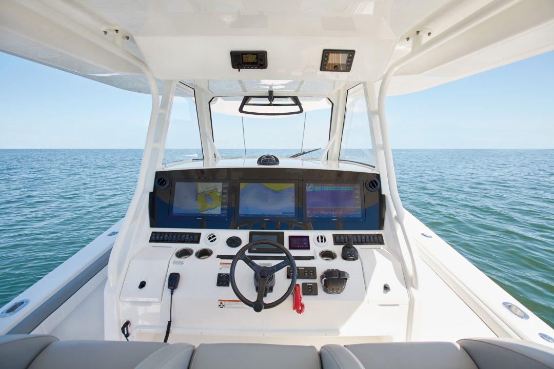 41-regulator-center-console-boat-helm-garmin-electronics-helm-master-yamaha