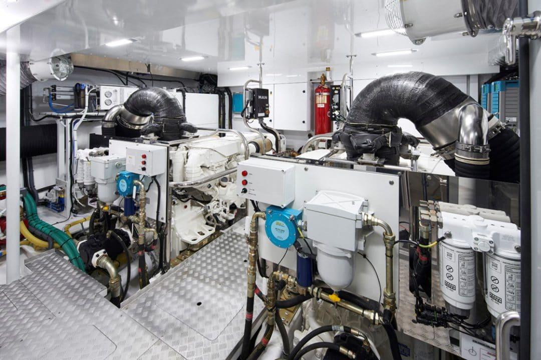 85my-engineroom