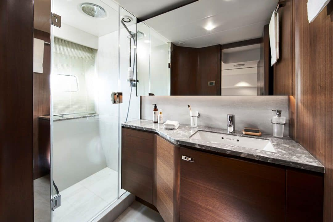 85my-port-bathroom-2
